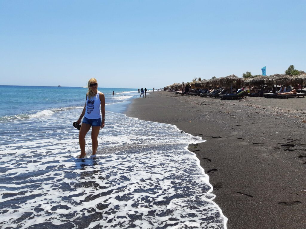 Perissa rand, Santorini, must rand